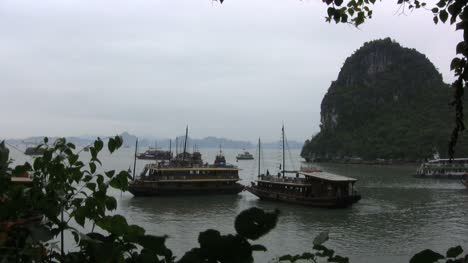 Halong-Bay-with-excursion-boats