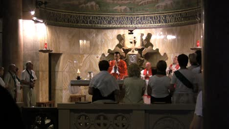 Israel-Priest-celebrating-Mass-Jerusalem
