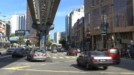 Kuala-Lumpur-street-and-elevated-rail