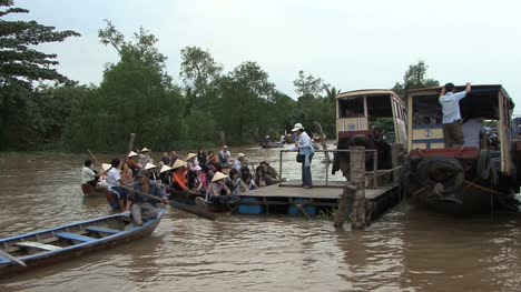 Mekong-canoes-and-tour-boats