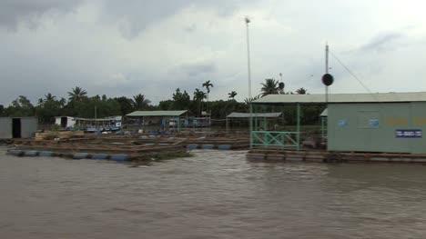 Mekong-River-settlement