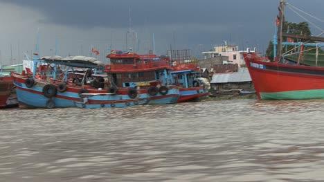 Mekong-traditional-boats