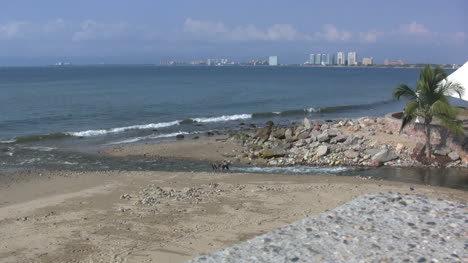 Mexico-Puerto-Vallarta-ocean