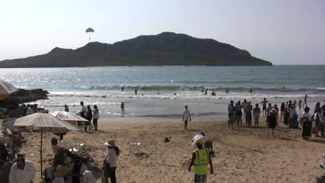 Mexico-Beach-scene-at-Mazatlan