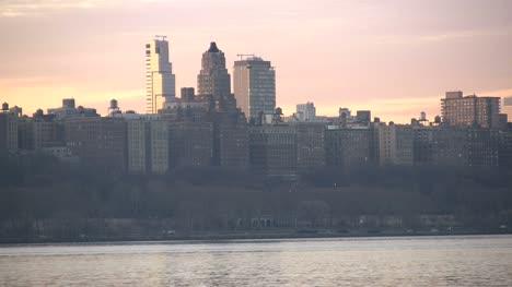 Manhattan-buildings-at-dawn