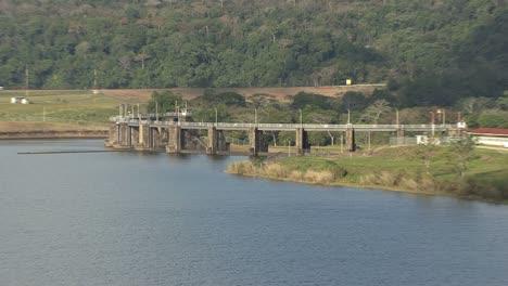 Panama-Canal-Gatun-Dam
