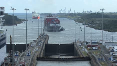 Panama-Canal-Gatun-Locks