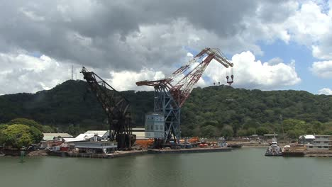 Panama-Canal-Loading-cranes-at-a-dock
