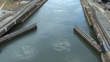 Panama-Canal-Pedro-Miguel-Locks-close