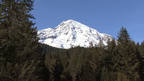 Mount-Rainier-zoom