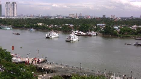 Ferries-crossing-the-Saigon-River