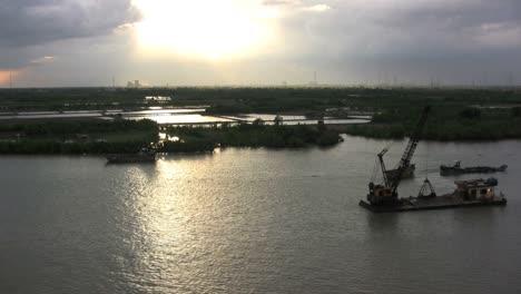 Río-Saigón-Sol-Y-Lluvia