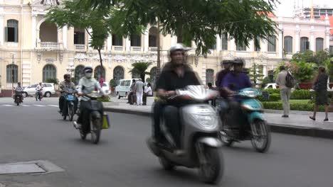 Ho-Ch-Minh-City-street