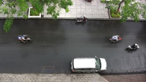 Ho-Chi-Minh-City-street-scene-and-traffic
