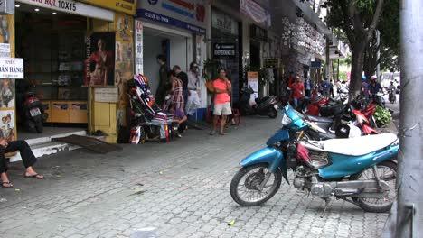 Street-scene-Ho-Chi-Minh-Cit-(Saigon)