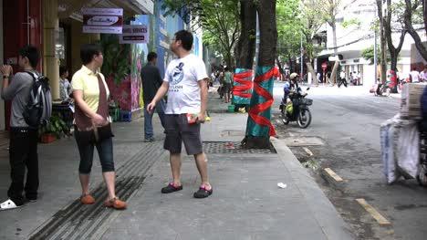Ho-Chi-Minh-City-sidewalk