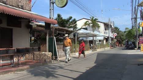 Thailand-Kho-Samui-street-with-people