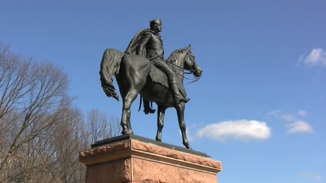 Valley-Forge-statue-of-General-Wayne