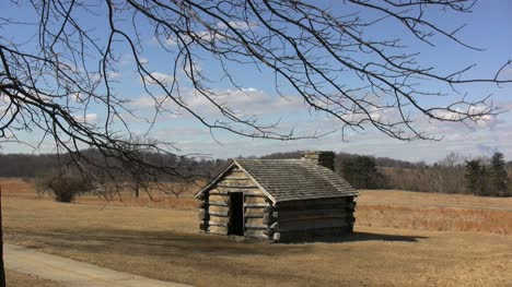 Valley-Forge-log-cabin
