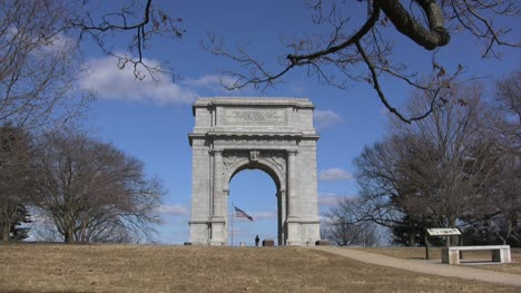 Valley-Forge-arch