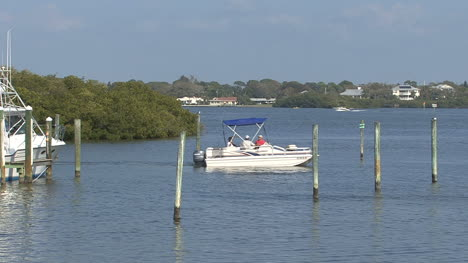 Florida-Boat-in-bay
