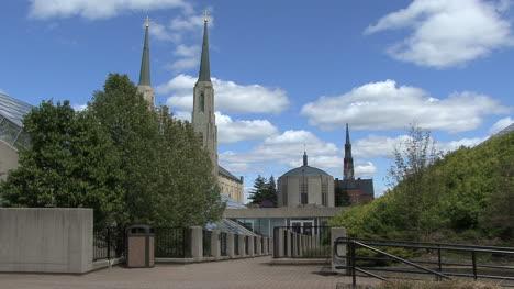 Campanarios-De-La-Iglesia-En-Fort-Wayne-Indiana