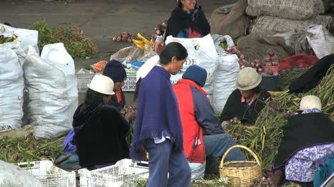 Ecuador-market-vegetables