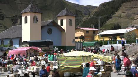 Ecuador-market-and-church