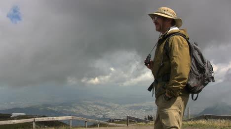 Ecuador-Tourist-at-park-above-Quito