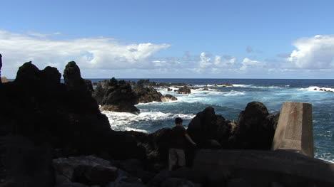 Hawaii-boy-at-Laupahoehoe-Point-waves