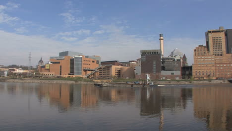 Barge-moving-on-the-Mississippi-at-St-Paul