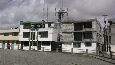 Houses-in-Latacunda-Ecuador