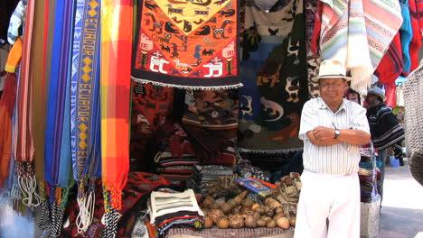 Ecuador-Man-in-the-Otovalo-market