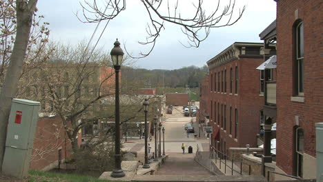 Illinois-Galena-lamp-posts-downhill-and-red-buildings