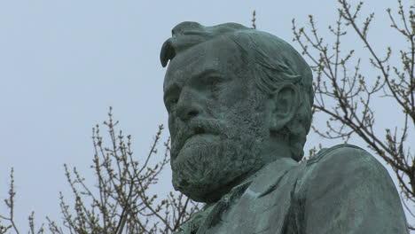 Illinois-Galena-statue-of-General-Grant
