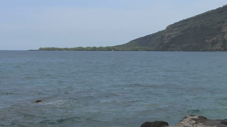 Hawaii-Zooms-to-Cook-Monument-2