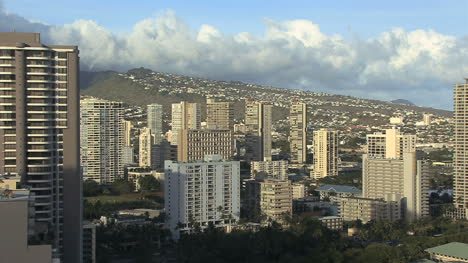 Honolulu-city-view-with-buildings