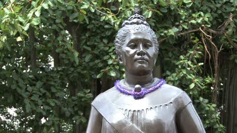 Estatua-De-La-Reina-Liliuokalani