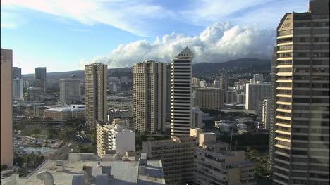 Honolulu-skyline-with-clouds