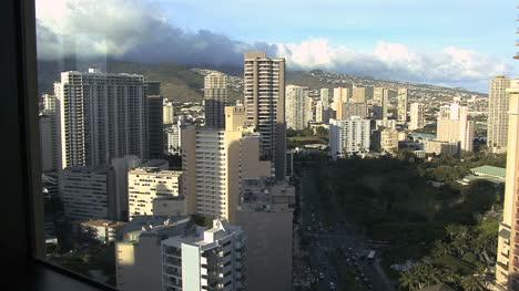 Honolulu-skyline-from-above