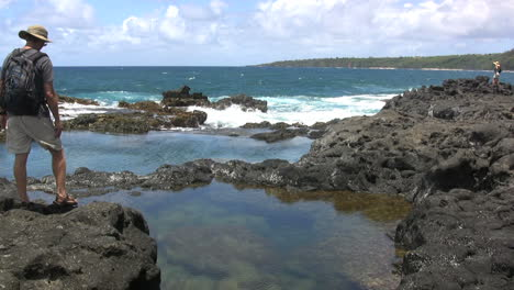 Hawaii-Kauai-Ondas-En-La-Piscina-De-Marea-3