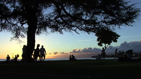Maui-Lahaina-Seawall-after-sunset