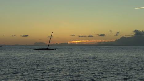 Maui-Lahaina-Sunken-boat-sunset