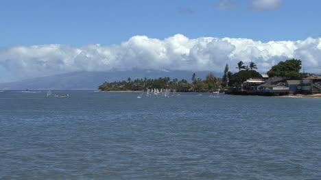Maui-Lahaina-windsurfers-zooms-out