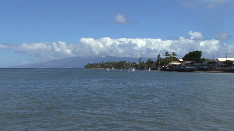 Maui-Lahaina-Zooms-out-from-windsurfers-2