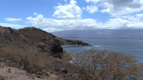 Maui-West-coast-toward-Haleakala