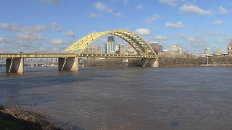Ohio-River-and-bridge-at-Cincinnati