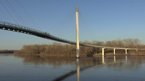 Omaha-Footbridge-over-Missouri-River