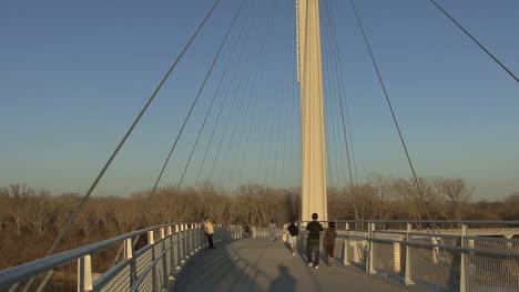 Omaha-Footbridge-people-strolling