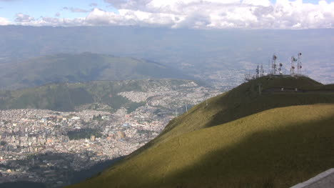 Quito-and-telecommunications-from-above